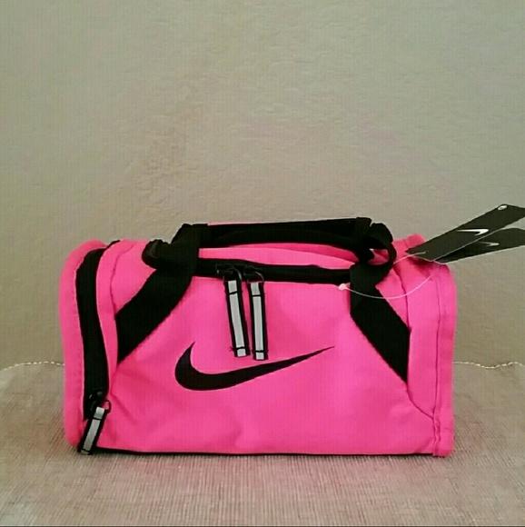 New Nike pink black mini insulated duffle bag. M 5a88d795caab44fd33ca7fb3 0a7fbec0cc766
